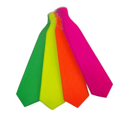 עניבות זוהרות-במבי הפתעות