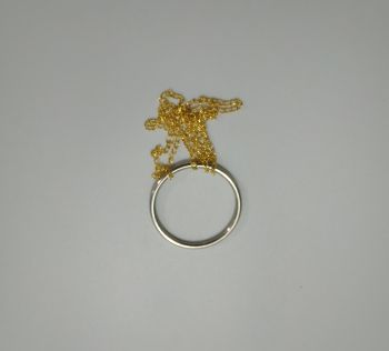 טבעת עם שרשרת-במבי הפתעות